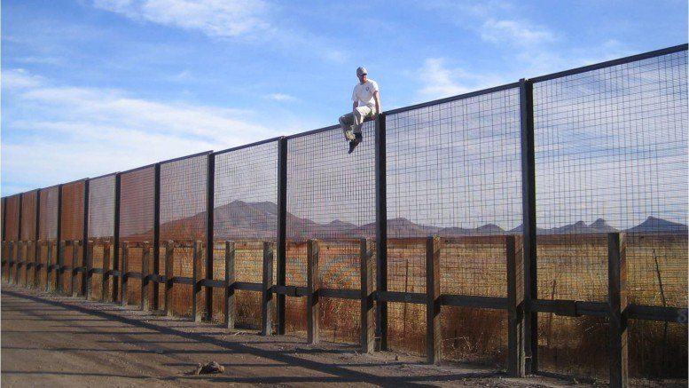 environmental-impact-of-us-mexico-border-wall-777x437